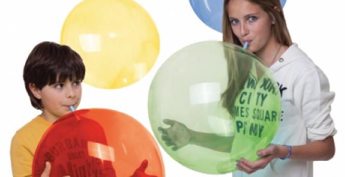 Crystal Ball, le Bolle di Plastica Che Rendono Felici i Bambini